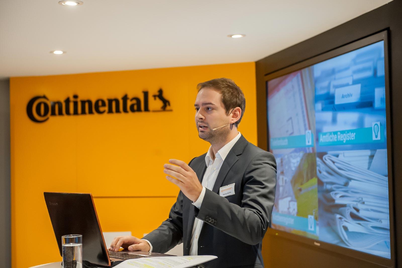 mecodia Mitarbeiter bei Continental der Vortrag hält