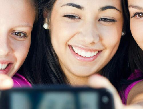 Alles Selfie oder was? – Warum Online-Selbstdarstellung für Jugendliche so wichtig ist